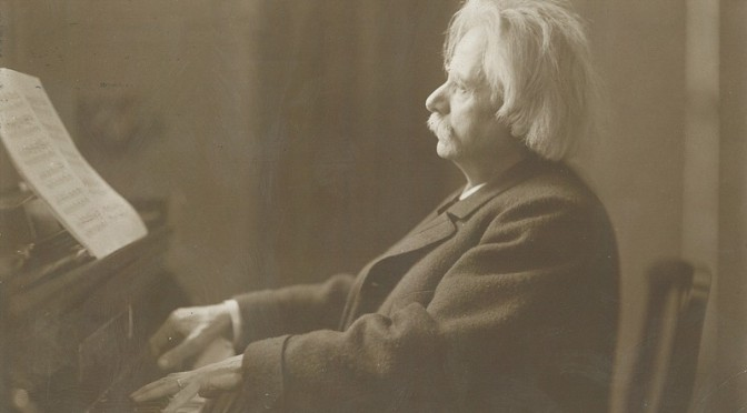 1st Prize and Prize for best performance of Edvard Grieg
